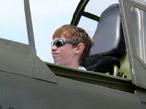2009 - 09_08 - Evan Flies High!-1