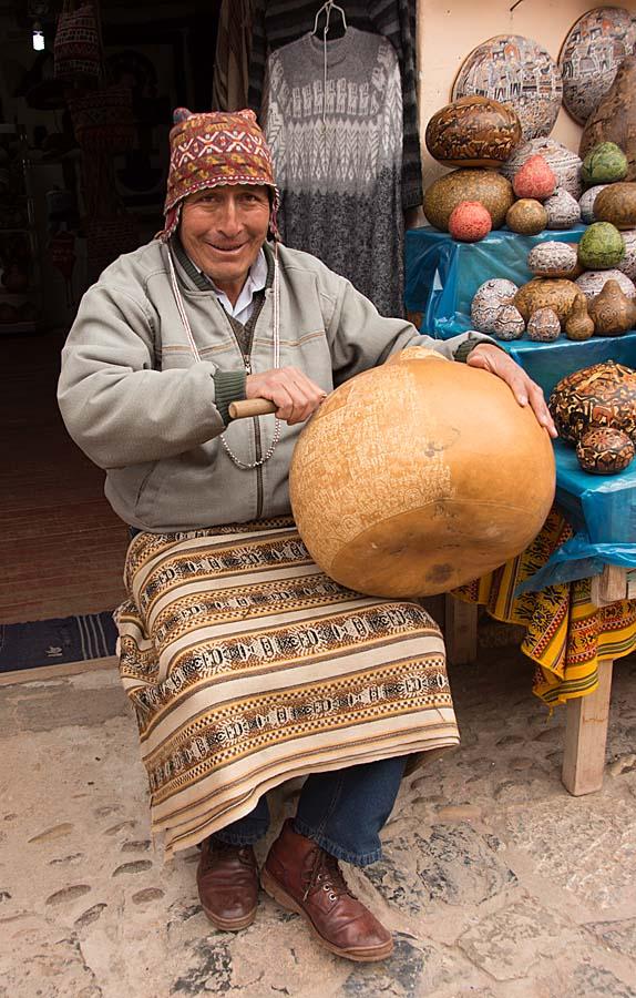 18-gourd carver