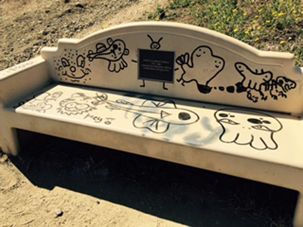 Bench1_graffitti