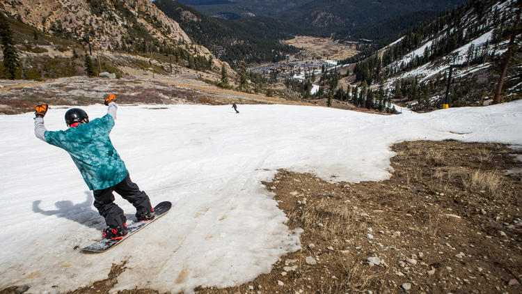 La-me-squaw-valley-snowpack-pg-001