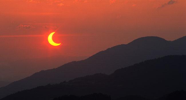 Gl_solar_eclipse