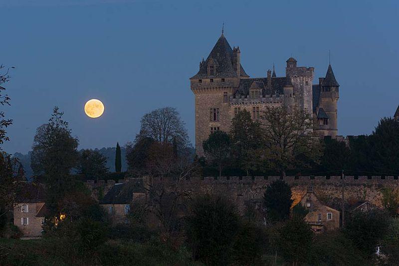 10-Montfort moonrise