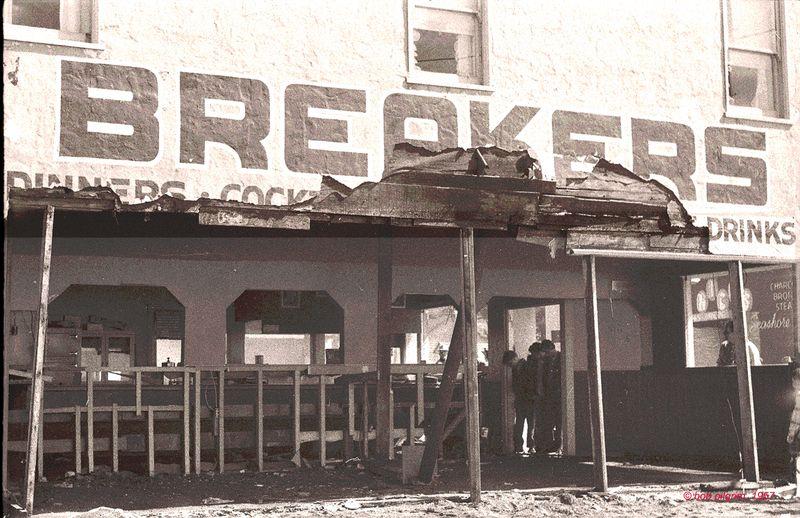 BREAKERS=1A- 11-23