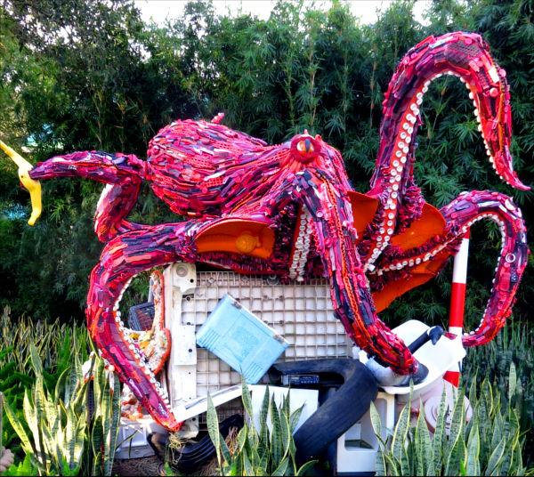 Octopus-sculpture-1