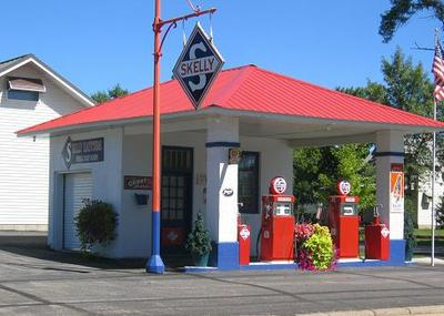 Bruces_gas_station