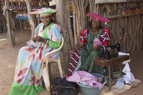 12-Herrero women