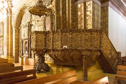Mexico 34 San Cristobal  Iglesia de Santo Domingo pulpit